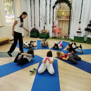 Прекрасните ни йога-жабки, благодарение на йога клуб Йога Здраве